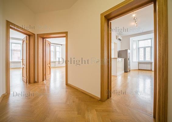 Многокомнатная квартира, 233 м2, 5 этаж - фото 1