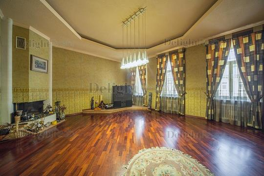 4-комнатная квартира, 190 м<sup>2</sup>, 3 этаж