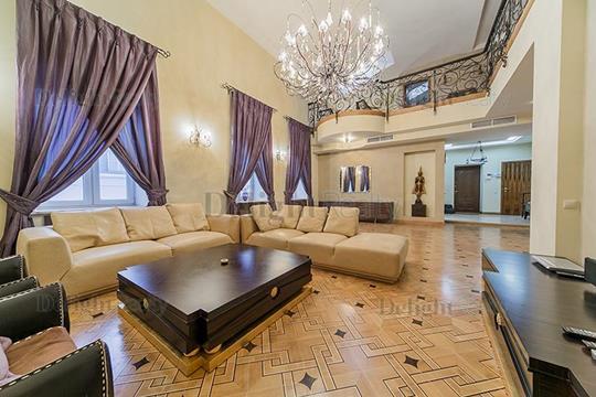 5-комнатная квартира, 225 м<sup>2</sup>, 4 этаж