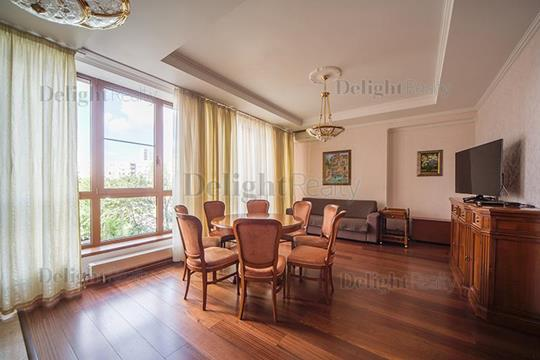 4-комн квартира, 130 м2, 4 этаж