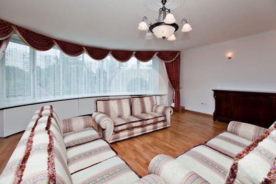 5-комнатная квартира, 235 м<sup>2</sup>, 3 этаж