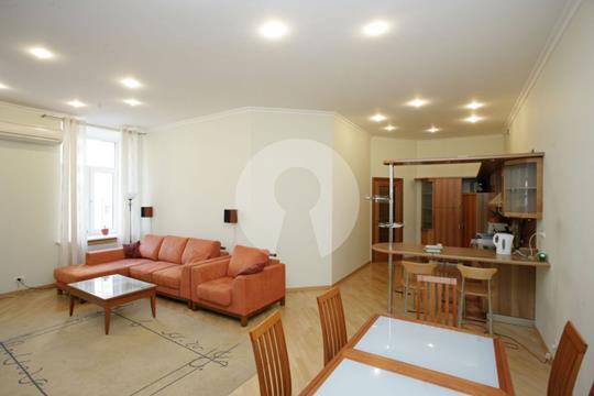 4-комнатная квартира, 140 м<sup>2</sup>, 4 этаж