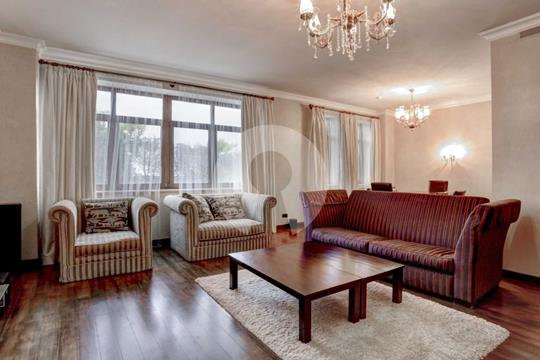 4-комн квартира, 186 м2, 5 этаж