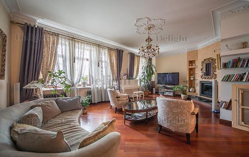 4-комн квартира, 210 м2, 2 этаж