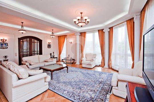 3-комнатная квартира, 149 м<sup>2</sup>, 4 этаж