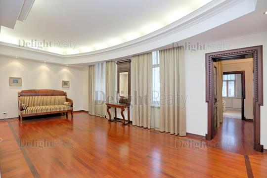 5-комнатная квартира, 150 м2, 4 этаж