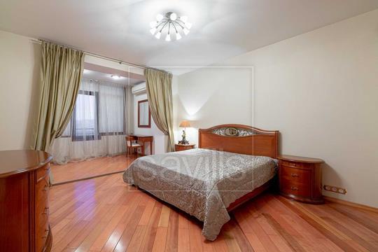 3-комн квартира, 130 м2, 10 этаж