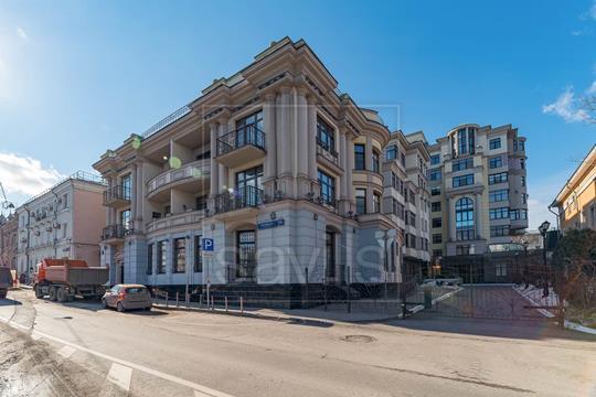 4-комнатная квартира, 140 м<sup>2</sup>, 3 этаж