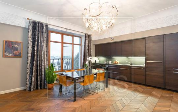 Многокомнатная квартира, 225 м2, 6 этаж