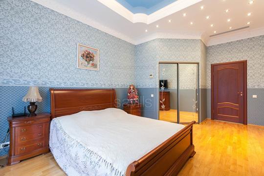 3-комнатная квартира, 147 м<sup>2</sup>, 2 этаж