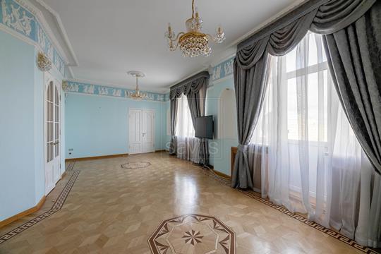 5-комнатная квартира, 200 м<sup>2</sup>, 8 этаж