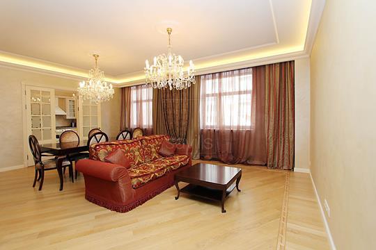 4-комнатная квартира, 165 м2, 2 этаж