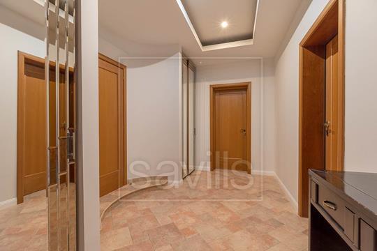 4-комн квартира, 180 м2, 2 этаж