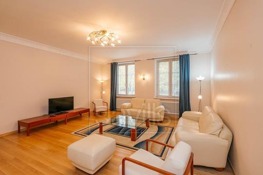 4-комнатная квартира, 160 м<sup>2</sup>, 1 этаж
