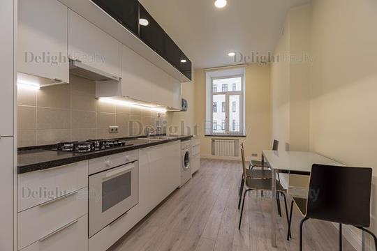 4-комн квартира, 120 м2, 4 этаж