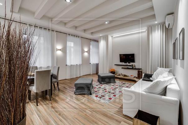 2-комн квартира, 65 м2, 1 этаж - фото 1