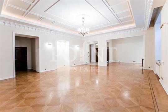 5-комнатная квартира, 250 м<sup>2</sup>, 4 этаж