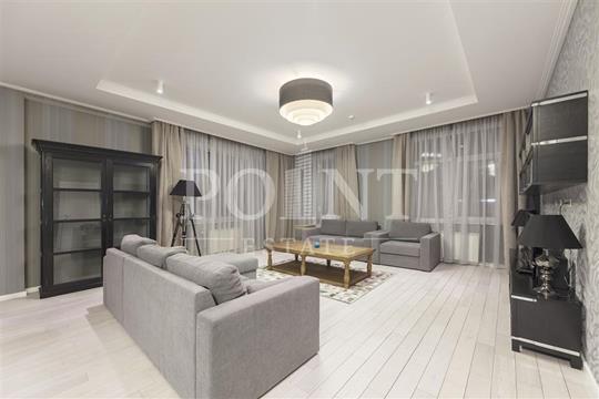 4-комнатная квартира, 209 м<sup>2</sup>, 2 этаж