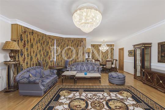 4-комн квартира, 170 м2, 2 этаж