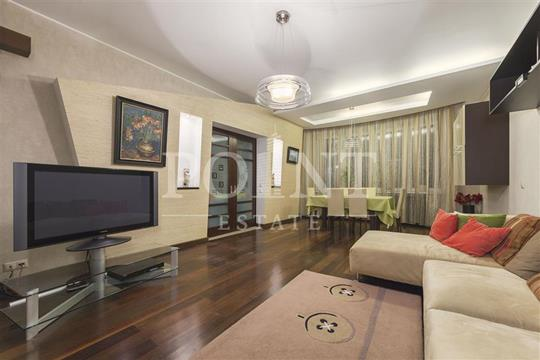 3-комнатная квартира, 157 м<sup>2</sup>, 5 этаж