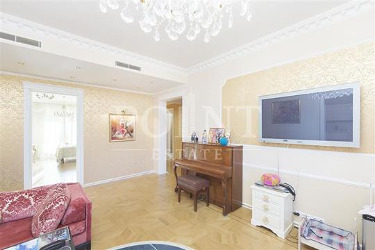 5-комнатная квартира, 186 м<sup>2</sup>, 2 этаж