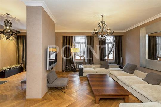 5-комнатная квартира, 235 м<sup>2</sup>, 4 этаж