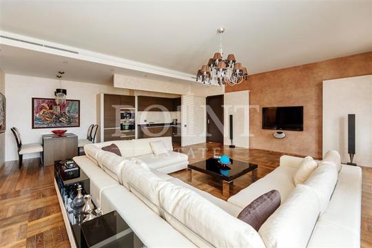 3-комнатная квартира, 117 м<sup>2</sup>, 2 этаж