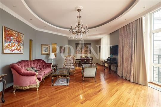 4-комнатная квартира, 172 м2, 3 этаж