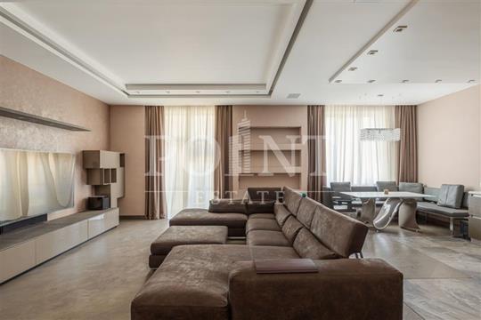 3-комнатная квартира, 130 м<sup>2</sup>, 2 этаж