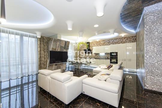 4-комнатная квартира, 138 м<sup>2</sup>, 2 этаж