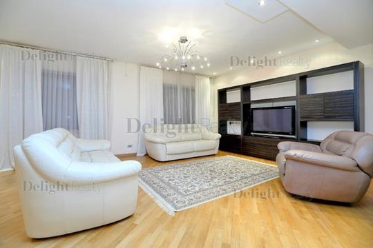 5-комнатная квартира, 250 м<sup>2</sup>, 3 этаж