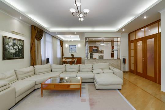 4-комнатная квартира, 170 м<sup>2</sup>, 2 этаж