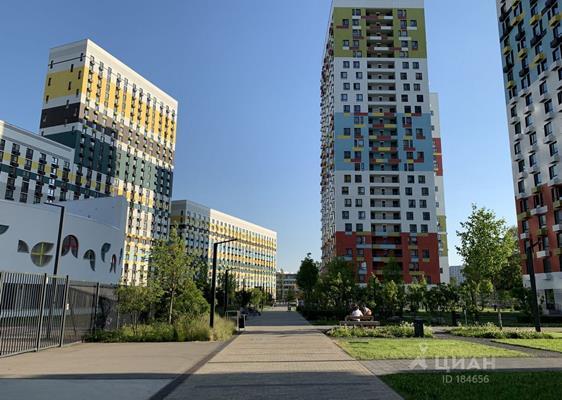 4-комн квартира, 82 м2, 23 этаж - фото 1