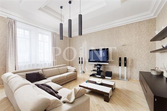 4-комнатная квартира, 190 м<sup>2</sup>, 2 этаж