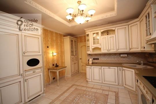 4-комнатная квартира, 200 м<sup>2</sup>, 3 этаж