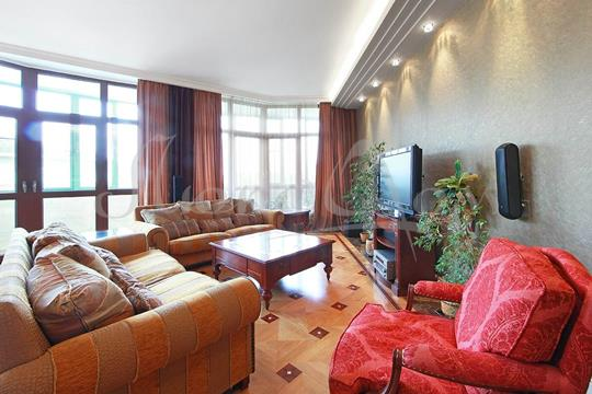 4-комнатная квартира, 188.6 м<sup>2</sup>, 2 этаж