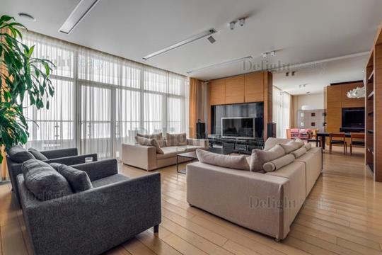 5-комнатная квартира, 310 м<sup>2</sup>, 2 этаж