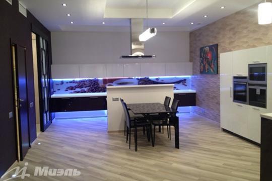 3-комнатная квартира, 140 м2, 5 этаж