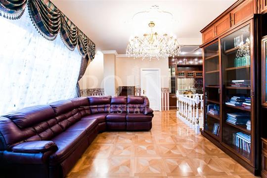 4-комнатная квартира, 220 м<sup>2</sup>, 6 этаж