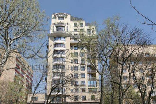 4-комн квартира, 222 м2, 2 этаж