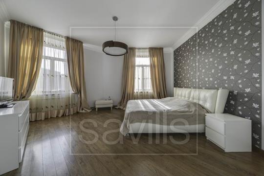4-комнатная квартира, 148 м2, 3 этаж