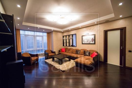4-комн квартира, 186 м2, 3 этаж