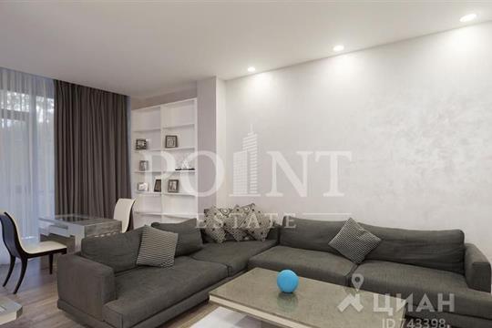 4-комнатная квартира, 220 м<sup>2</sup>, 2 этаж