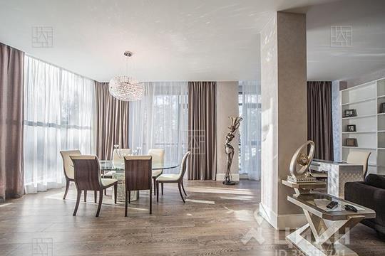 3-комнатная квартира, 220 м<sup>2</sup>, 3 этаж