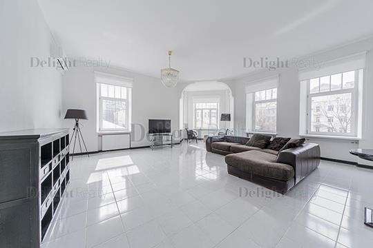 4-комнатная квартира, 178 м<sup>2</sup>, 3 этаж