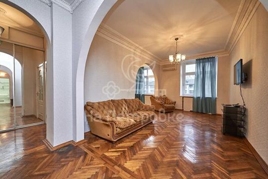 Многокомнатная квартира, 181 м<sup>2</sup>, 3 этаж