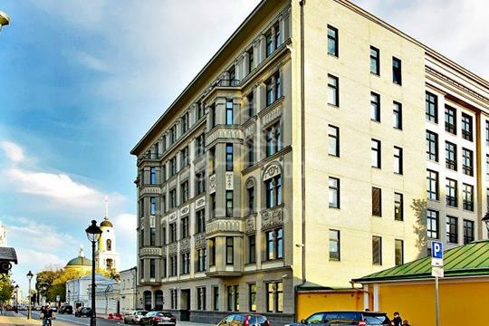 4-комнатная квартира, 240 м<sup>2</sup>, 2 этаж