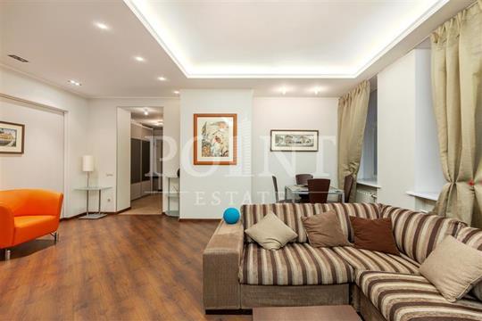 2-комн квартира, 80 м2, 2 этаж