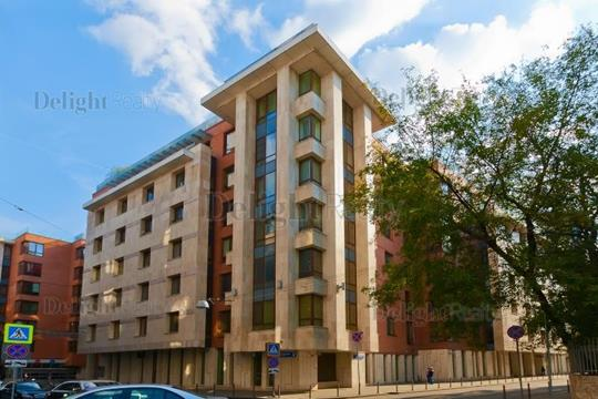 4-комн квартира, 186 м2, 2 этаж