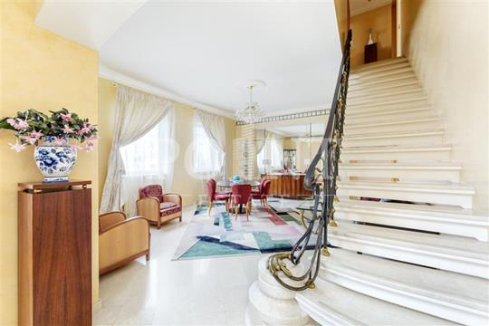 4-комн квартира, 175 м2, 6 этаж